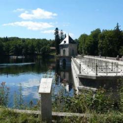 Barrage du lac de Settons